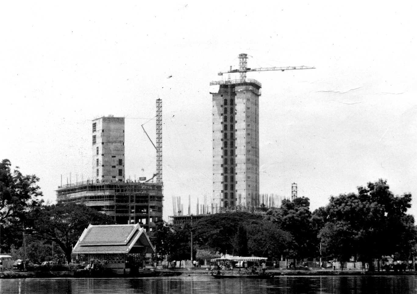 โรงแรมดุสิตธานี ก่อสร้าง พ.ศ.2510-2511