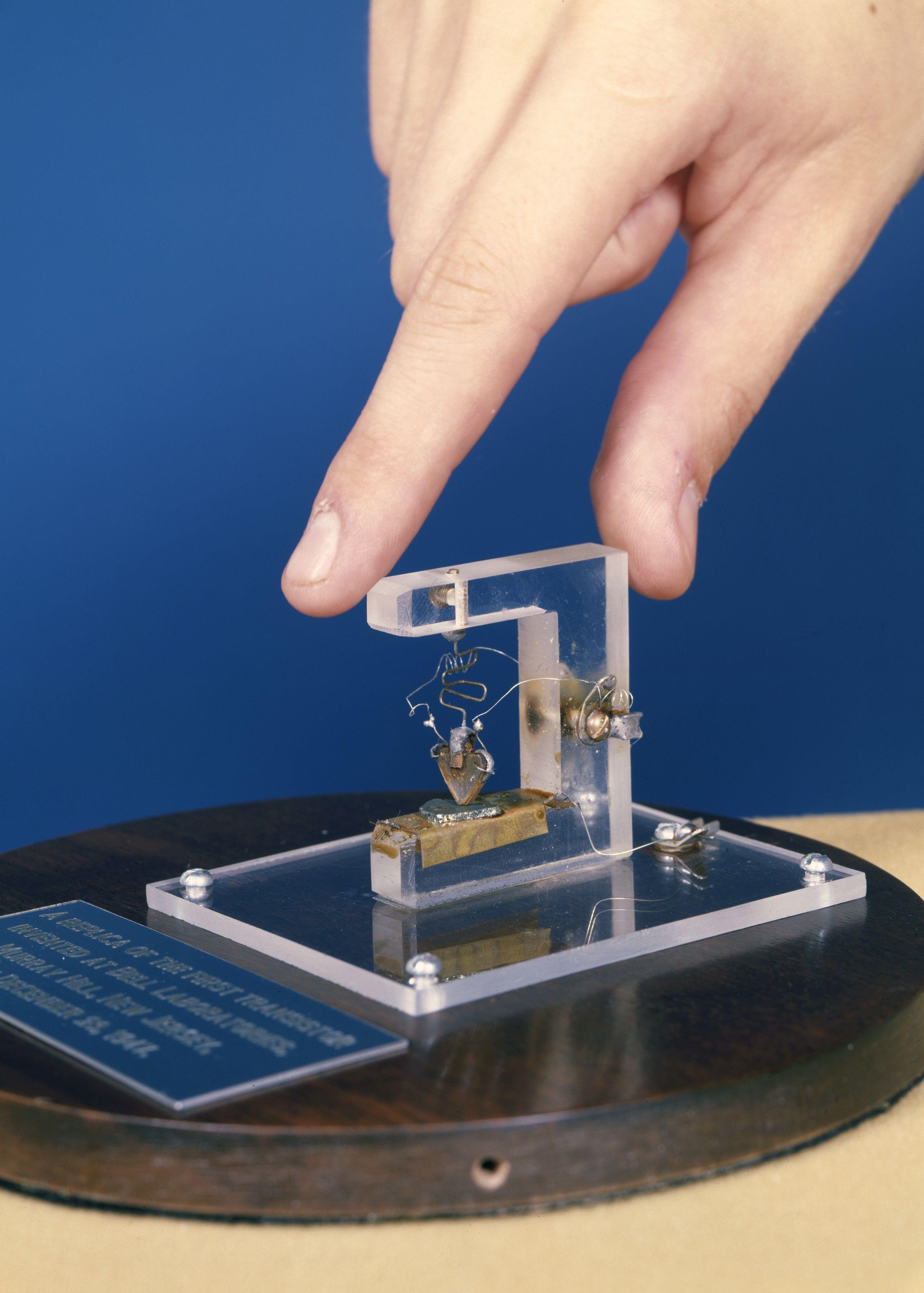 First Transistor 1947 ทรานซิสเตอร์ ตัวแรก ของโลก 1947