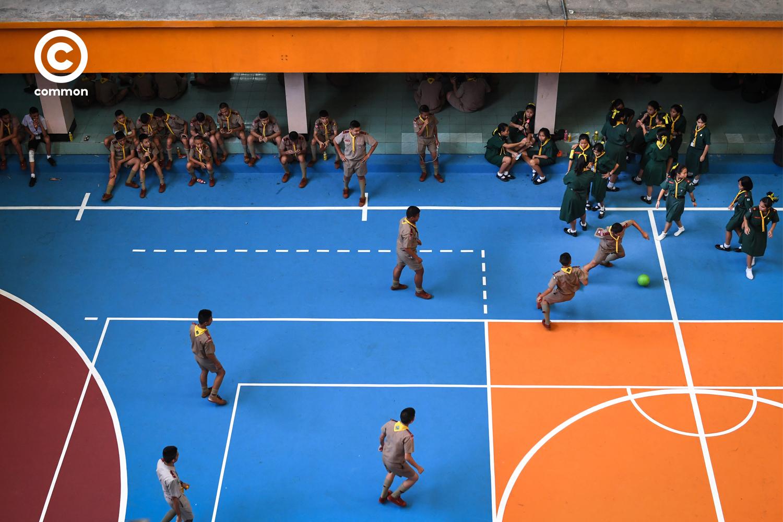 ลูกเสือ เตะบอล สนาม โรงเรียน เนตรนารี