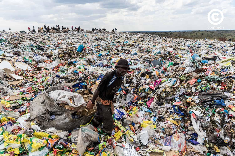 พลาสติก แอฟริกา ขยะ แบน นโยบาย