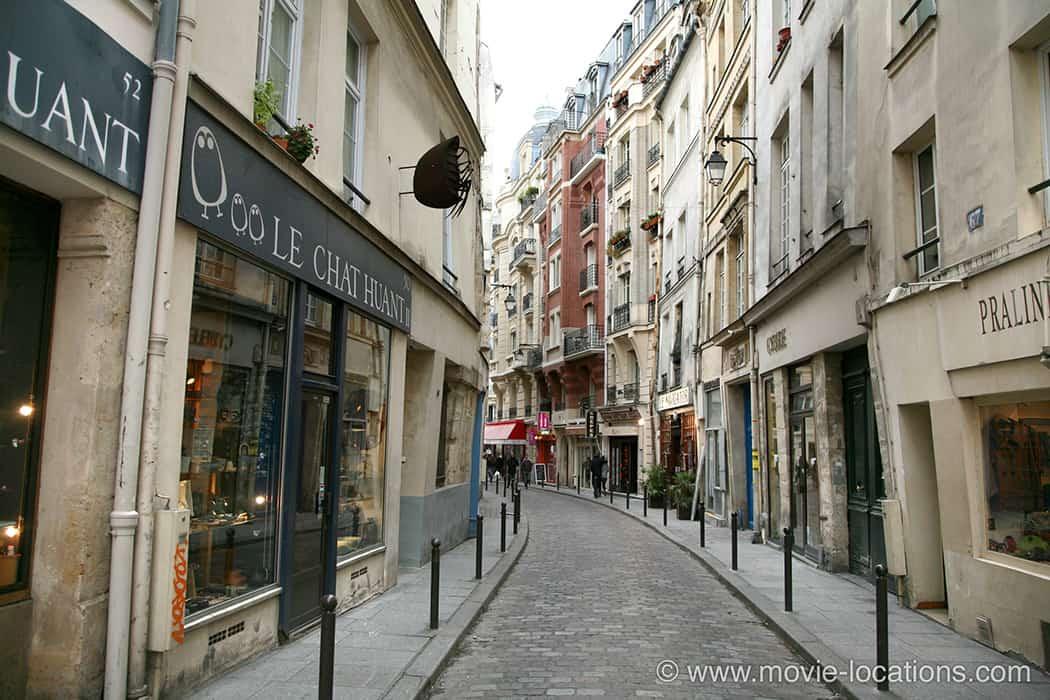 Midnight-In-Paris-Rue-Galande