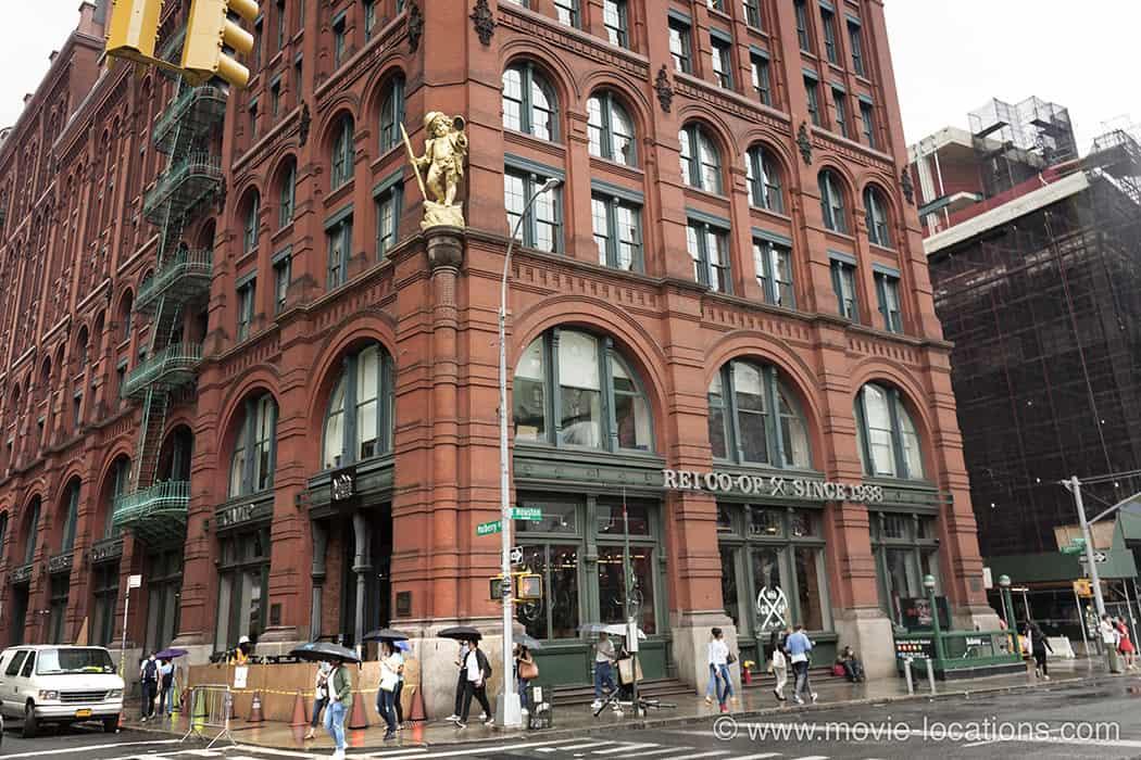When-Harry-Met-Sally-Puck-Building