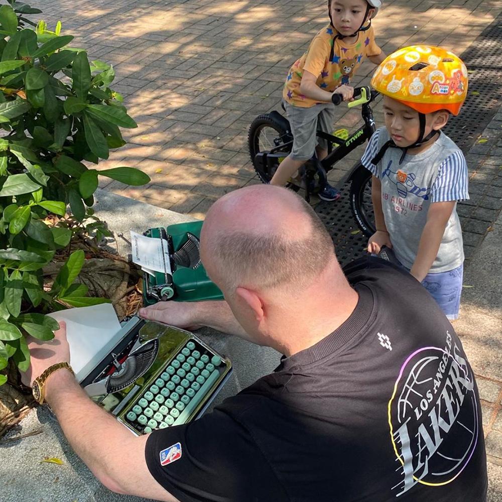 typewriter traveler